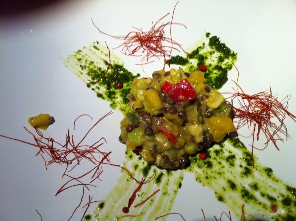 Minz-Pesto und Mango-Linsen-Salsa