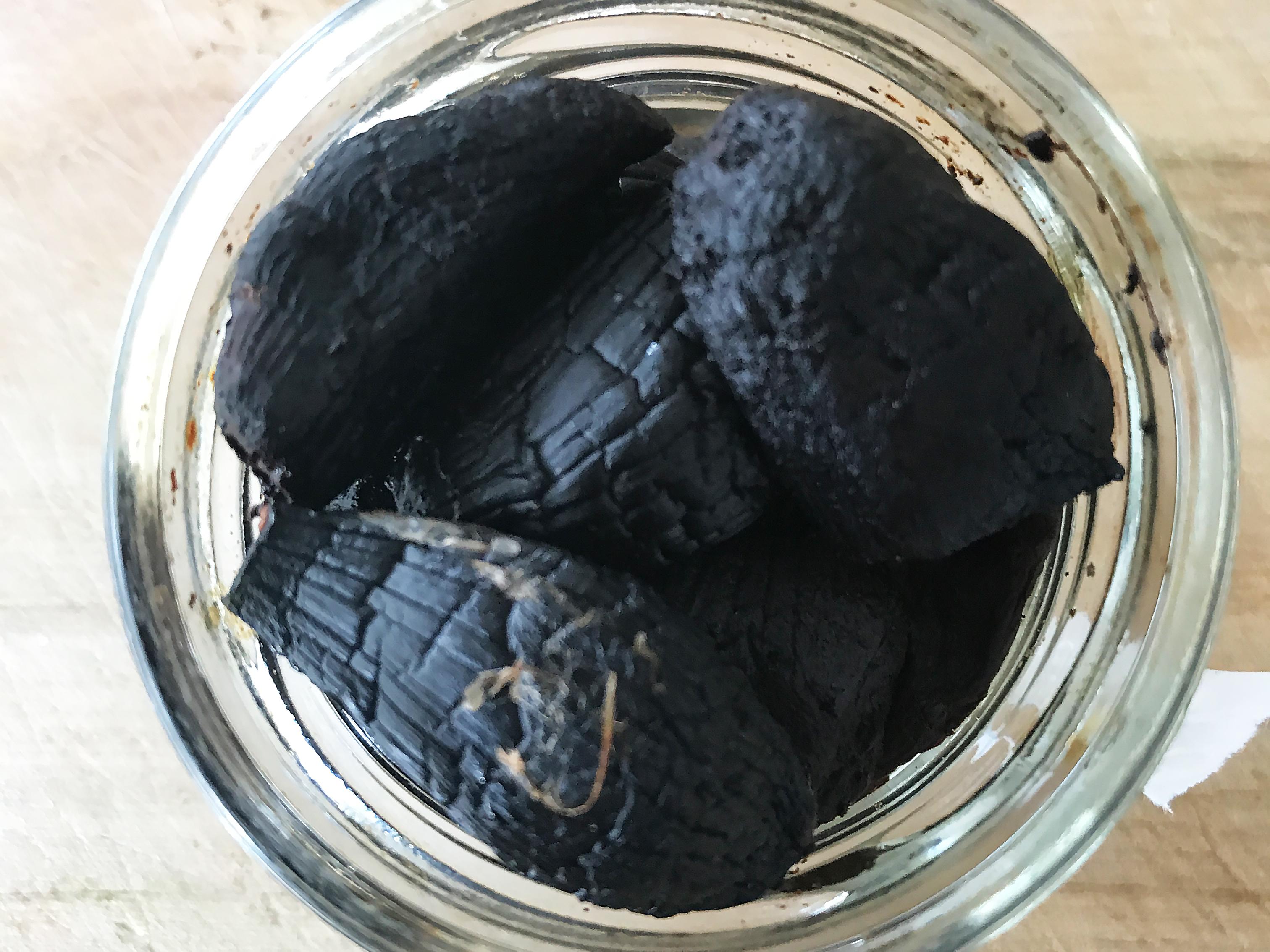 schwarzer Knoblauch Flammkuchen No. 3
